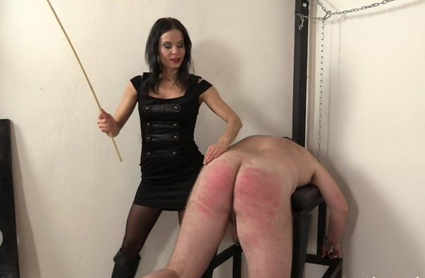 Lady G Classic Spanks Her Slave, Very Real Scene At -6295