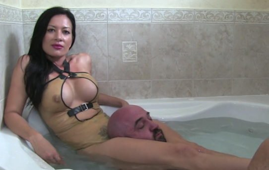 Show me your shaved thang