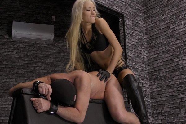 scorpio woman dating