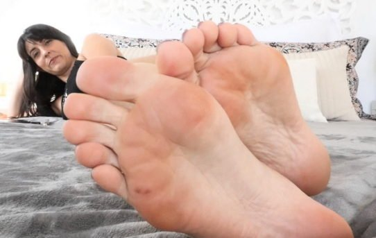 Cuckold Feet Slave Couple