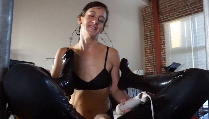 Jennifer connolly bikini