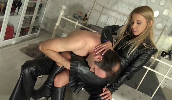 Sex in leather