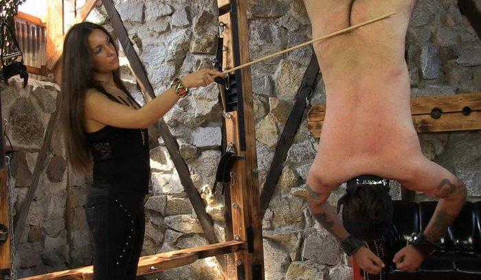Slave Licks Mistress Pussy