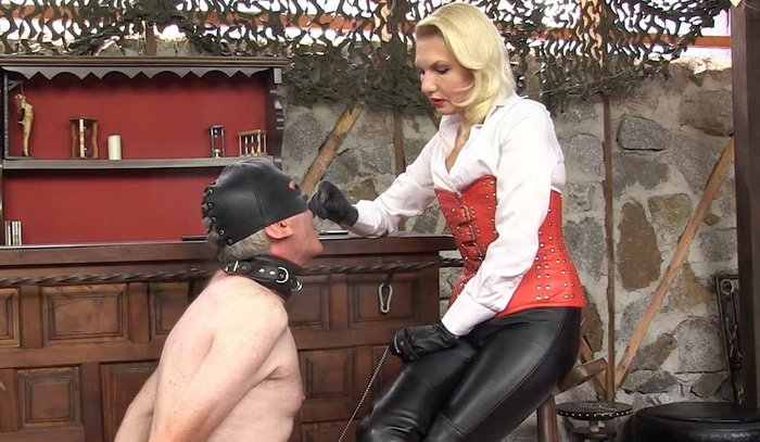 Ebony Mistress White Slave