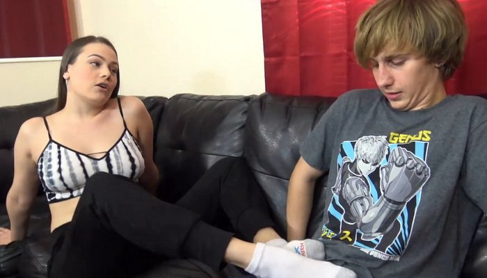 Cum In Pants, A Nerds Wet Dream Comes True with Princess Ivory Soles