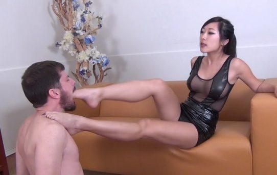 Shoulder Riding Porn Movies Videos Clips Cruel Mistress