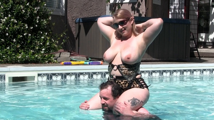 Ms Sinstress in her pool fun having a day with slave